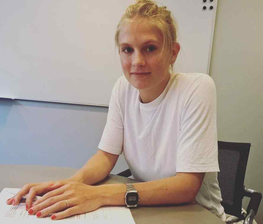 Holten nackt bilder emma Emma Holten