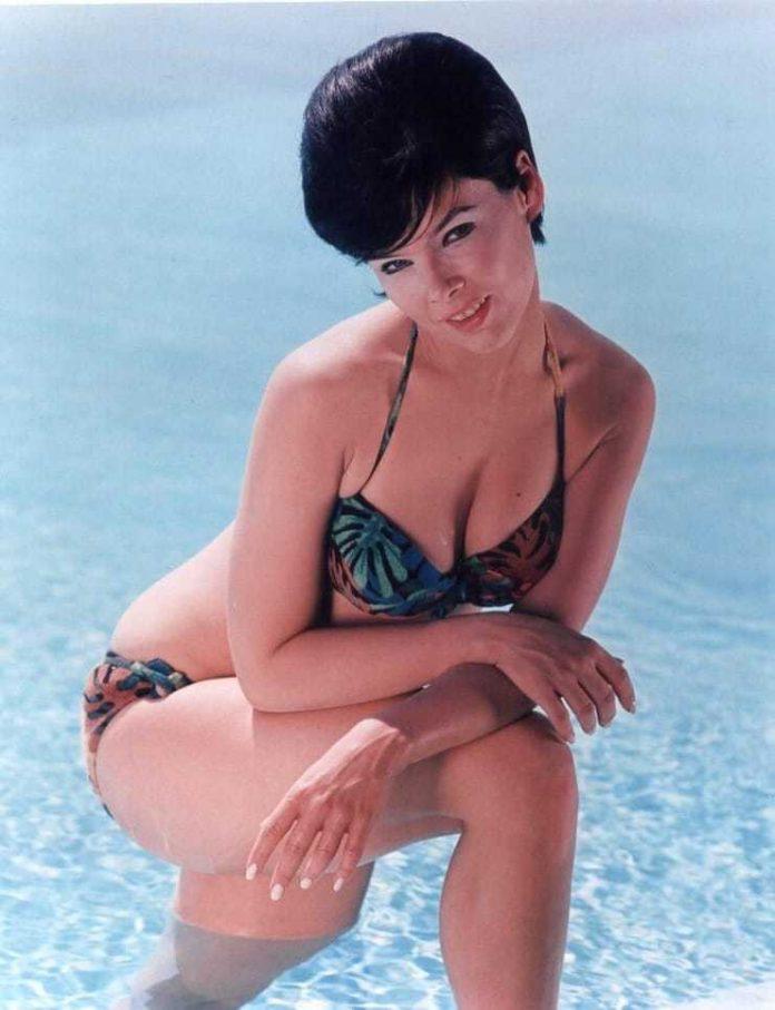 Nude yvonne craig Yvonne Craig